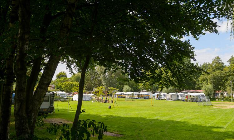 Kom ook genieten van een kampeervakantie met uw eigen caravan, tent, vouwwagen, camper of andere kampeerunit