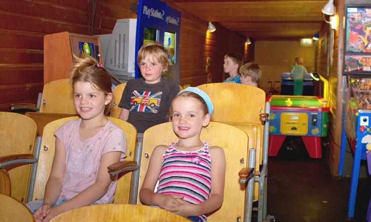 Indoor speelhol voor de kinderen bij slecht weer