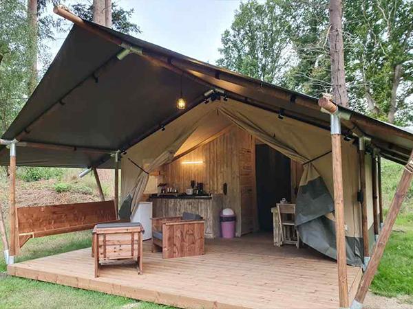 Safaritent-incl.-sanitair-(4-personen)---Camping-Mareveld